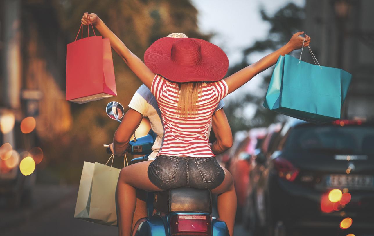 Couple sur un scooter