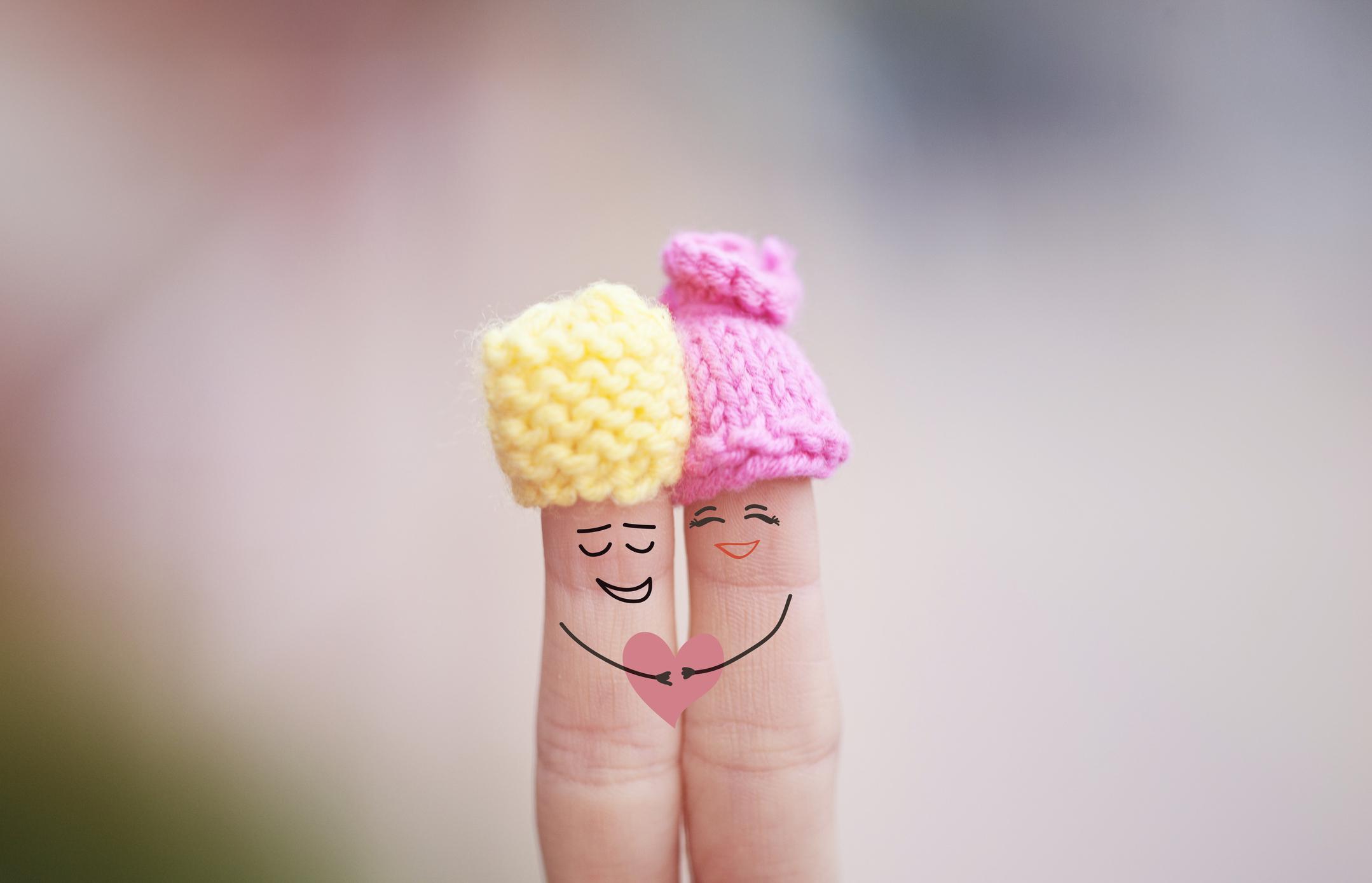 Etreinte doigts amoureux